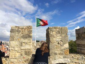 portugues-flag-over-castle