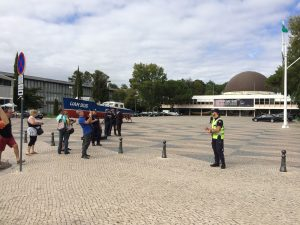 Police keep tourists away from the Maritime Museum and the Planetarium during some meeting of Very Important People.