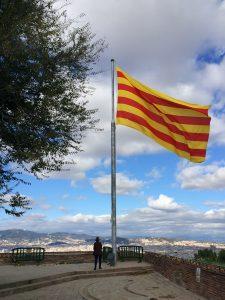 castel-montjuic-catalan-flag