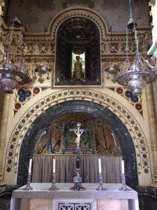 montserrate-basiclica-altar